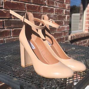 [Steve Madden] Vintage Looking Patent Heels 💕